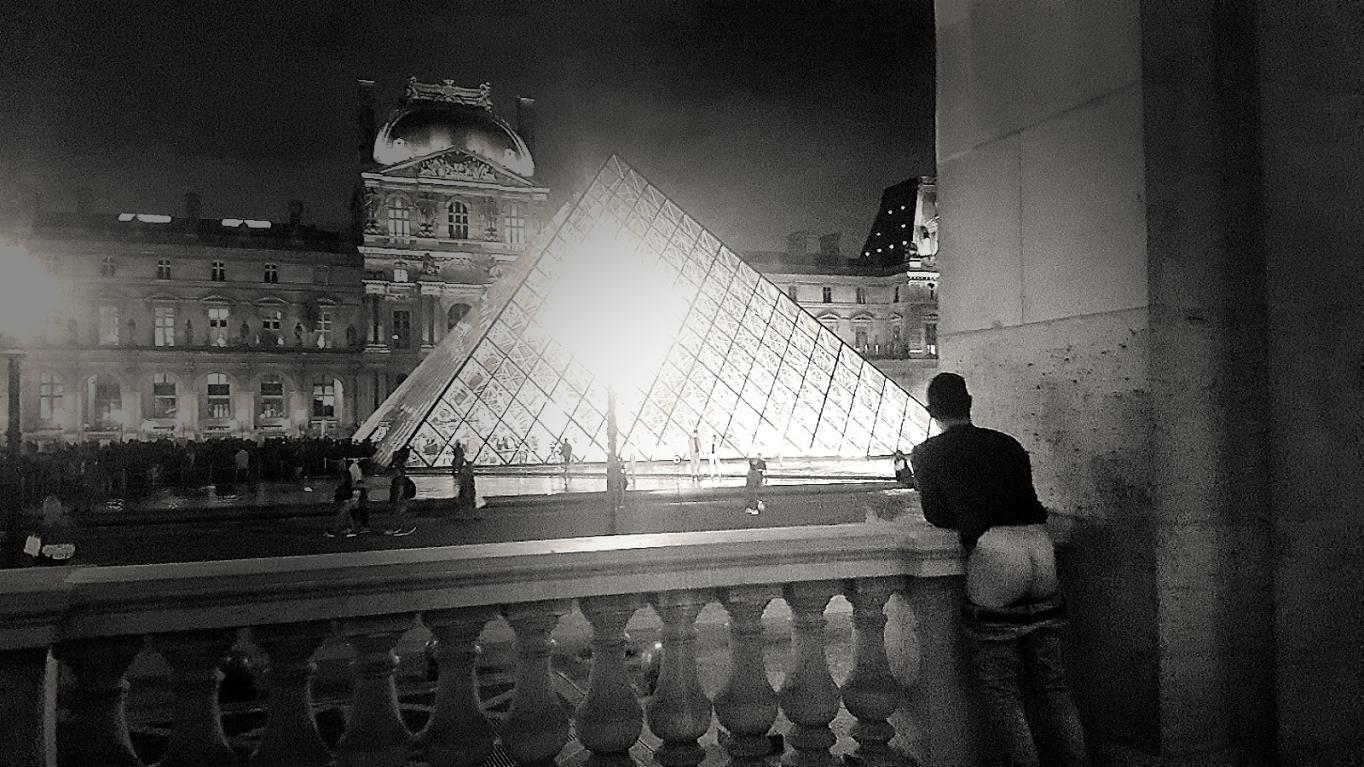 Visite nocturne du Musée du Louvre avec et par Les Chevaliers -  Photos Érotiques  by Les Chevaliers